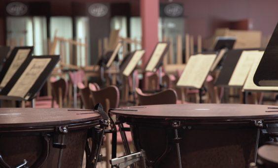Orchesterwart.00_00_26_40.Standbild001